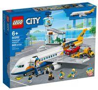 "LEGO City ""Пассажирский самолёт"""