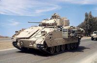 """Американский танк """"M2A2 ODS Bradley"""" (масштаб: 1/72)"""