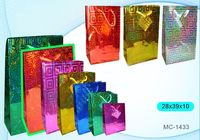 """Пакет бумажный подарочный """"Голография"""" (в ассортименте; 28x39x11 см; арт. МС-1433)"""