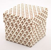 "Подарочная коробка ""Lilies"" (7,5х7,5х7,5 см; коричневые элементы)"