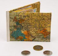"""Зажим для денег с монетницей """"Карта мира"""""""