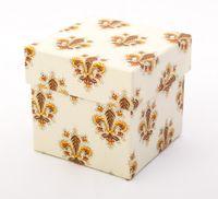 "Подарочная коробка ""Lilies"" (7,5х7,5х7,5 см; оранжевые элементы)"
